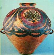 Знак трех кругов на керамике из Китая